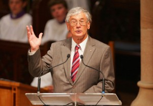 Dick Smith addressing Lions International conference in 2012